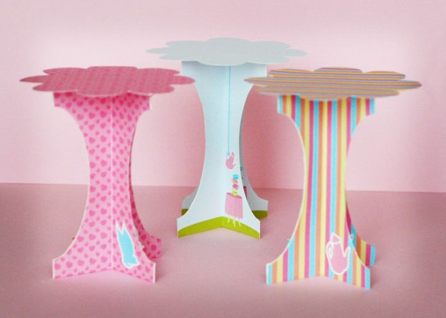 alice_in_wonderland_cupcake_stand_sweetly_sweet3