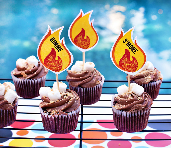 smores-cupcakes-with-free-printables