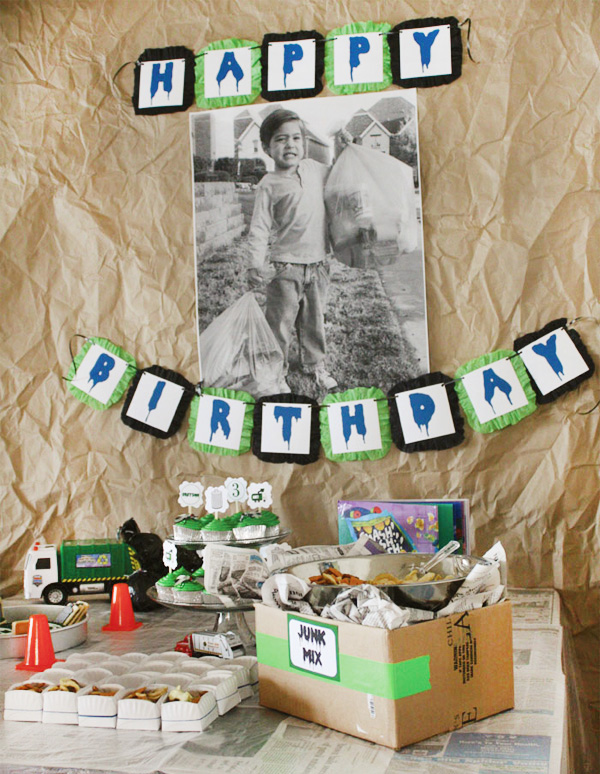 trash-truck-birthday-party-dessert-table_b